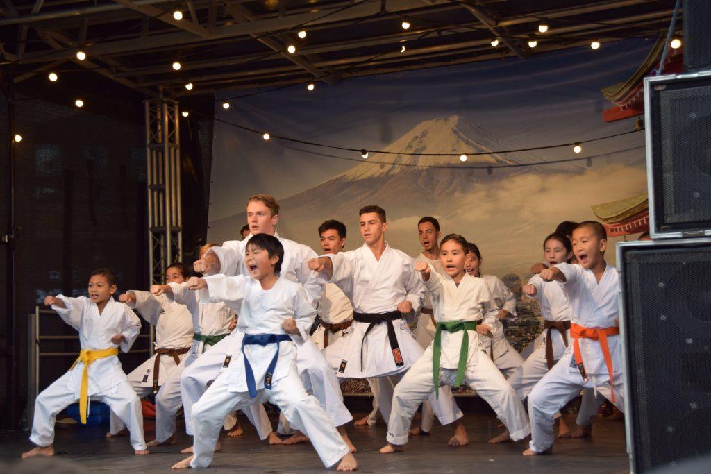 KLM karateclub/ Genseikan Karatedo geeft demonstratie op het Japanfestival in Amstelveen