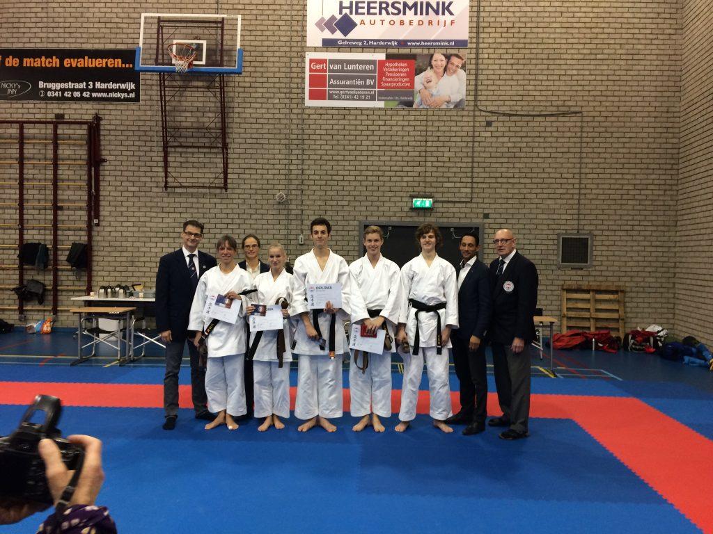 Acht keer zwart band voor Genseikan Karatedo